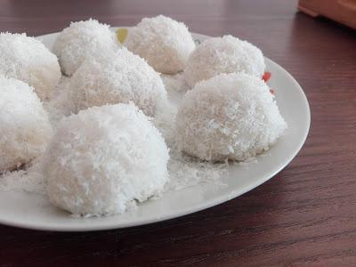 Perles de coco aux cacahuètes 花生糯米糍