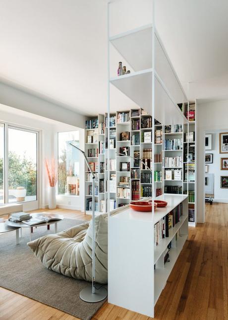 villa californienne salon double bibliotheque canape
