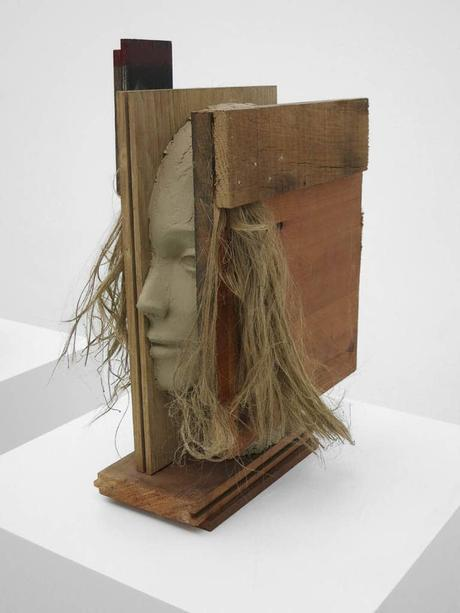 mark-manders-sculpture