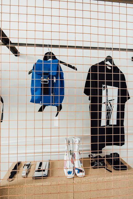 ALYX tient actuellement son pop up store à Paris en collaboration avec Nike