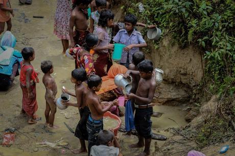 En visite de part et d'autre de la frontière Bangladesh-Myanmar, le président du CICR face au million de personnes dans la misère