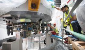 Le cyclotron de 90 tonnes est arrivé à UCLH (Londres)