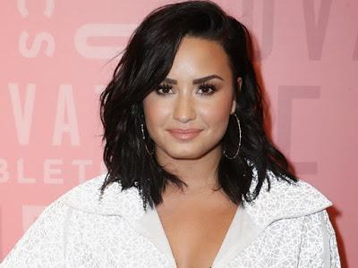 Demi Lovato, multimillionnaire, utilise une astuce bizarre pour économiser de l'argent en ligne: Voici sa philosophie sur l'argent