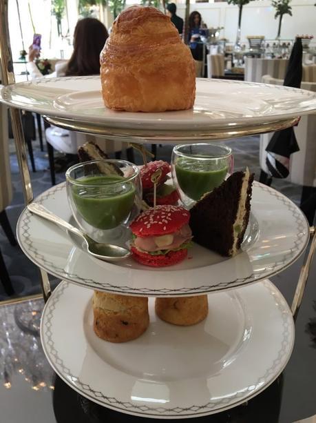 tea time le peninsula paris