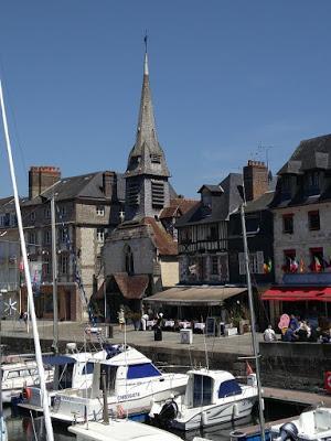Normandie de bois, de pierre, de lais de mer
