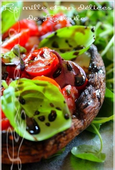 ~Portobello au beurre d'ail farci de tomates, mozzarella et balsamique~