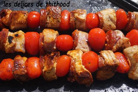 brochettes de porc chorizo et tomates