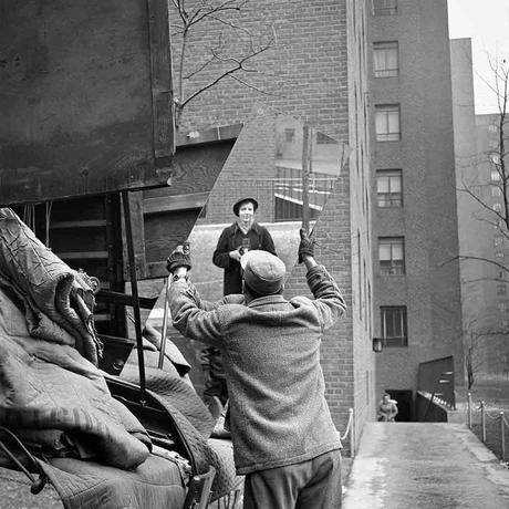 vivian-maier-street-photography-selfportrait