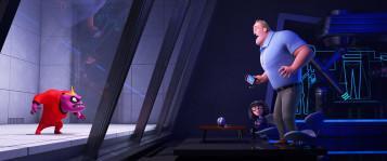 EDNA EN ÉRUPTION – Quand la famille Parr découvre (enfin) les nombreux pouvoirs de Jack-Jack, Bob appelle Edna à l'aide. Les Indestructibles 2, avec les voix américaines de Brad Bird (Edna Mode) et Craig T. Nelson (Bob), sortira en France le 4 juillet. ©2018 Disney•Pixar. All Rights Reserved.