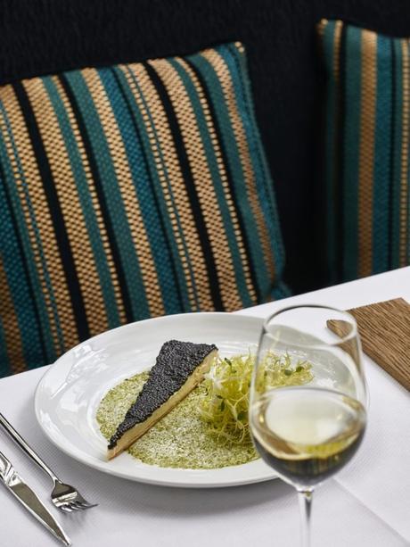 Restaurant Petrossian : un temple du caviar ouvre dans le 7ème arrondissement
