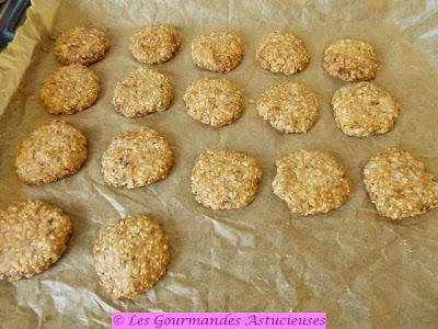 Biscuits apéritifs à la moutarde à l'ancienne (Vegan)