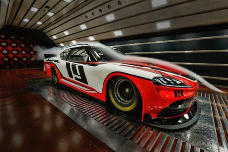 Toyota Supra : une nouvelle voiture de NASCAR