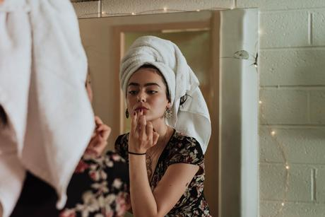 4 conseils pour retarder naturellement le vieillissement de la peau