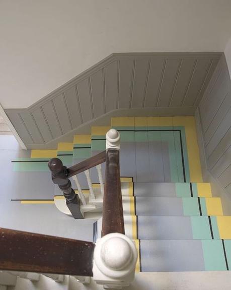 que faire avec du masking tape escaliers couleurs peinture adhésif