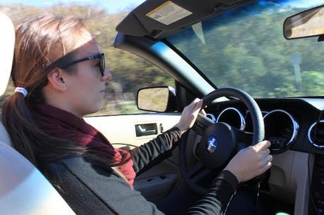 Passer son permis dans sa propre voiture, une Mustang en Californie, USA