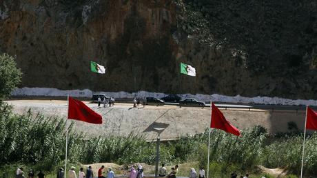 Des manifestants militent pour la réouverture de la frontière algéro-marocaine