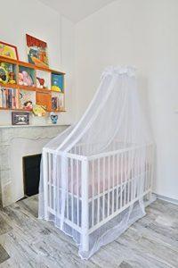 moustiquaire bébé et déco de chambre