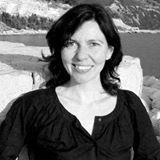 Photo de profil de Florence Hinckel, L'image contient peut-être: 1 personne, sourit