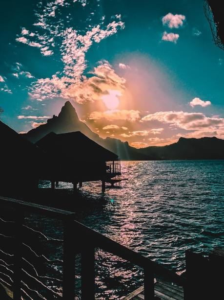 Diamond Overwater Villa - Intercontinental Bora Bora Resort & Thalasso Spa - Bora Bora sunset