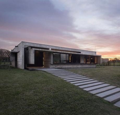 maison sans étage coucher de soleil design architecture
