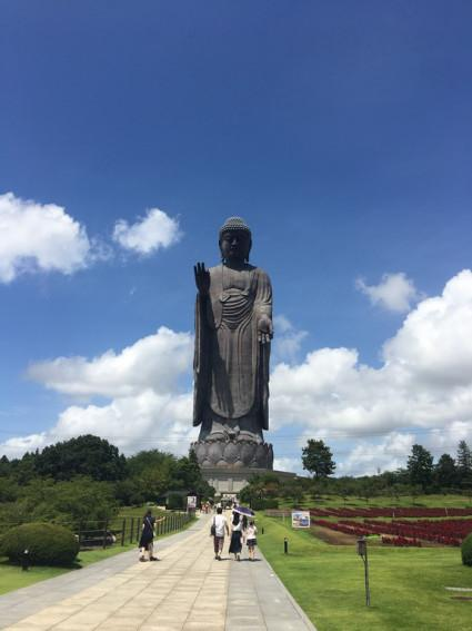 L'impressionnante statue de Bouddha Amitâbha, Ushiku Daibutsu