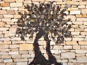 L'arbre déjà nous