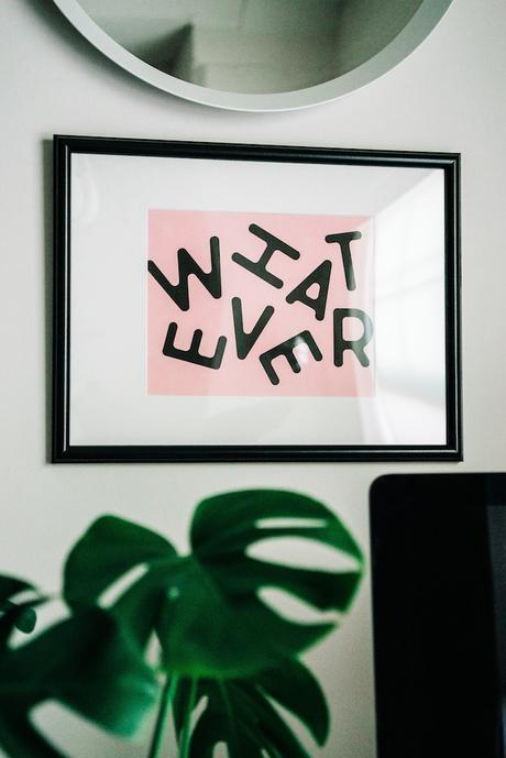 accrocher un poster hauteur règle distance mur blog déco clemaroundthecorner