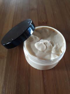 Crème pour les jambes anti poils incarnés
