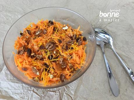 Salade sucrée salée de carottes aux noix et raisins secs