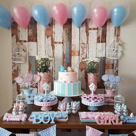 blog déco clemaroundthecorner gender reveal party candybar ballons cake gateau table cupcakes fête gourmandises décoration