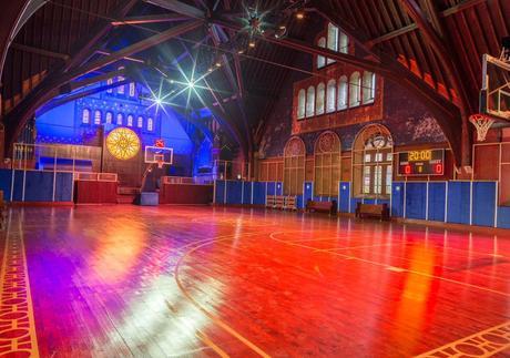 Nike transforme l'église d'Éphiphanie de Chicago en terrain de basket-ball