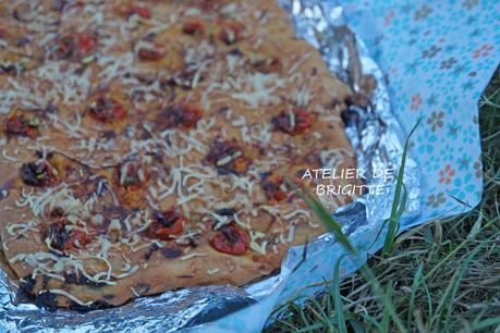 Fougasse lardons, emmental, tomates, romarin