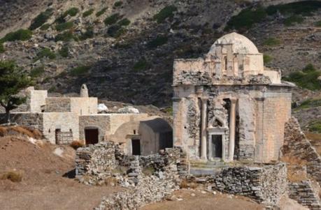 Une tombe intacte d'une ancienne femme noble mise au jour sur l'île de Sikinos dans les Cyclades
