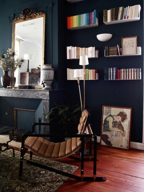 Personnaliser son salon avec un mur de couleur