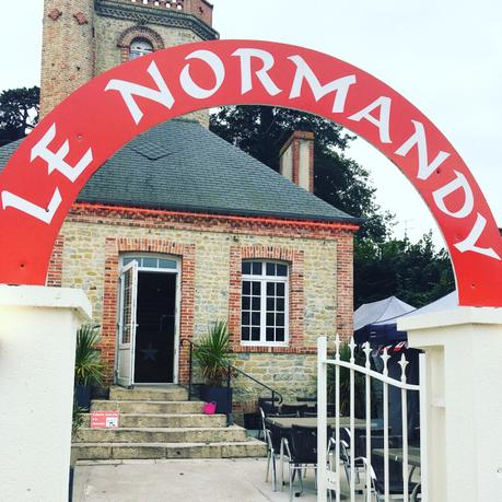 Le Restaurant LE NORMANDY à Sainte Eglise sur Mer