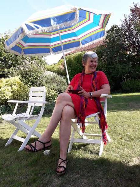 Dernières nouvelles : Cinéma Woman at war et Au Poste ! La vie un repas au jardin...et hommage à Irma Mama Marcante...