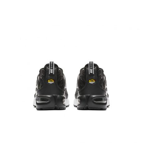 Nike habille sa Air Max Plus d'un Double Swoosh