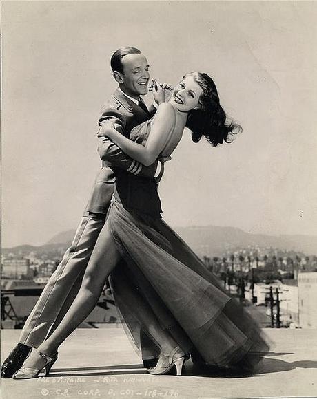 L'amour vient en dansant (You'll never get rich)
