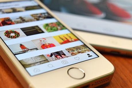 Instagram ajoute des emojis pour les commentaires.