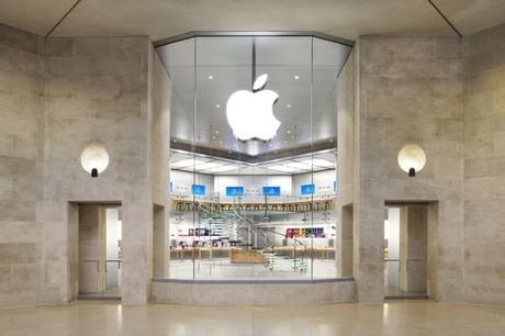 Un Apple Store sur les Champs-Élysées ouvrira bientôt ses portes.