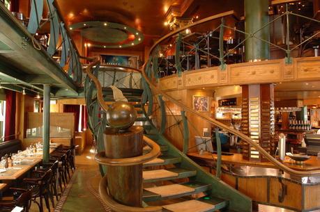 Escalier et bar à huîtres