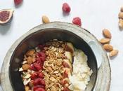 Granola bowl quinoa fruits (sans