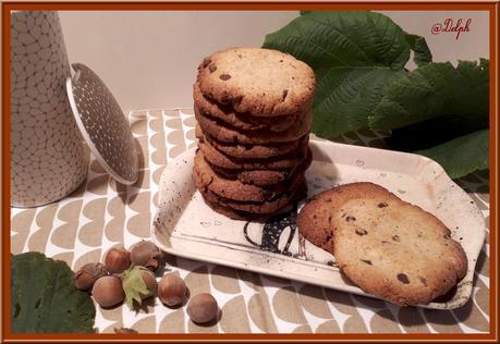 Cookies à la poudre de noisettes et pépites de chocolat
