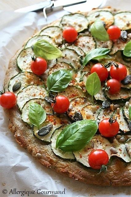 Pizza courgettes { sans gluten, sans œufs possible sans lait }