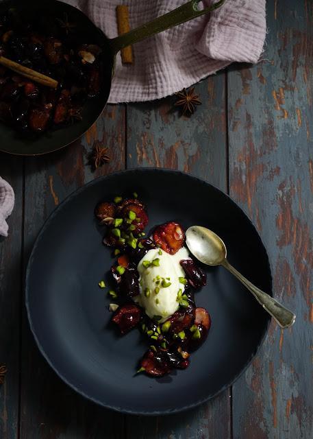 Glace façon cheesecake (sans sorbetière) poêlée de prunes