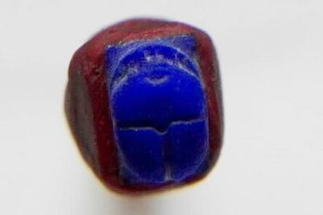 scarabée lapis lazuli egyptien