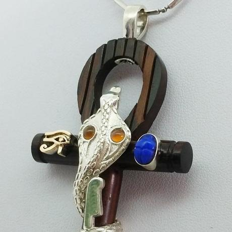 symboles egyptiens du pendentif