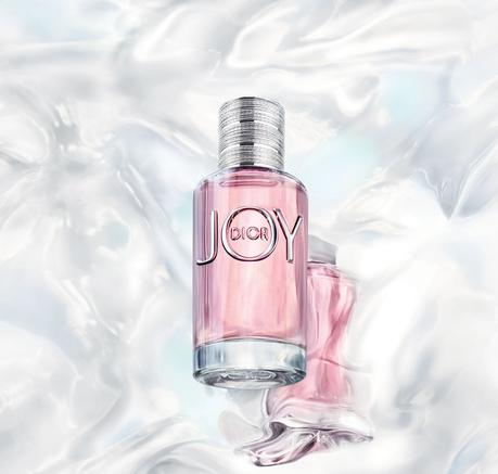 Jennifer Lawrence, égérie du nouveau parfum JOY de Dior