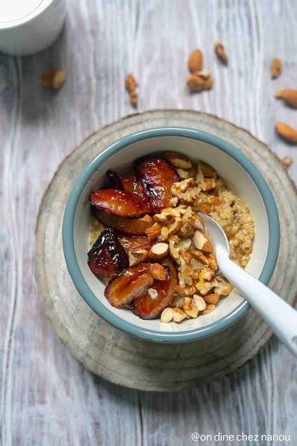 Porridge de quinoa aux prunes