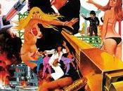 L'Homme pistolet d'or with golden gun, Hamilton (1974)